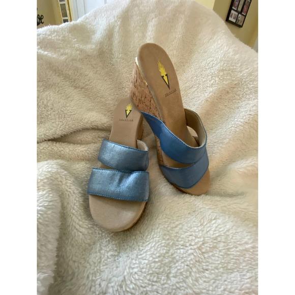 Volatile 7 Blue Fabric Wedge Slip On